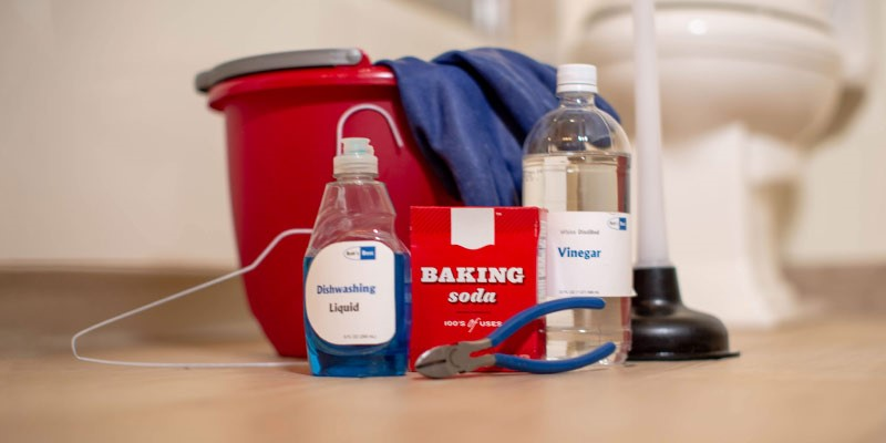 baking soda and vinegar for clogged toilet
